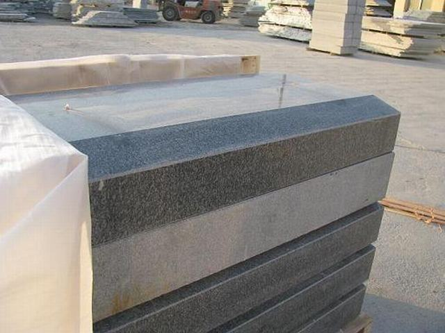 G343 polished granite kerbstone